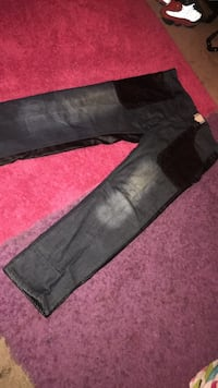 black and gray denim jeans Sioux Falls, 57103