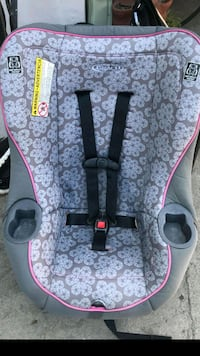 baby's gray and pink floral car seat Paramount, 90723
