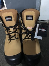 Brand new men safety boots Toronto, M6L 1N4
