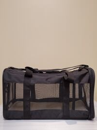 LARGE, Black, Soft-Sided Pet Carrier - firm price. Arlington, 22204