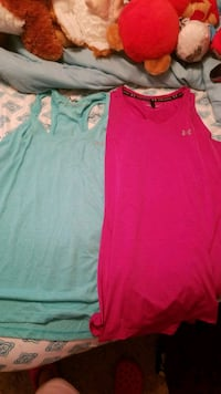 Womens Under Armour workout racerbacks size small Spring Lake, 28390