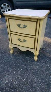 2 drawer French provincial end table Danvers, 01923