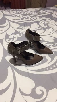pair of black leather heeled shoes Los Angeles, 90042