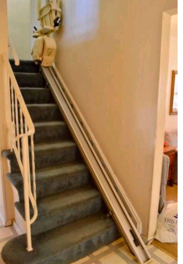 9 Stair  Brooks 120 chair/stair 2 remote controls.