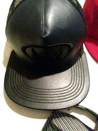 black and gray fitted cap Los Angeles, 90046