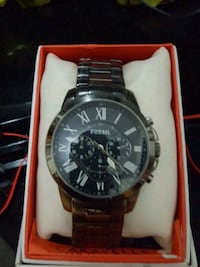 Fossil watch still works small chip bottom right Barrie, L4M 2W3