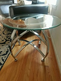 2 glass tables Arlington, 22202