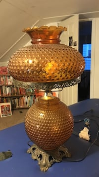 Working vintage glass carnival table lamp