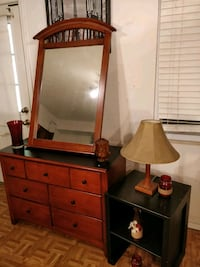 Nice wooden dresser with mirror/ TV stand & side table in good conditi Annandale, 22003