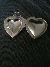 Silver locket Malvern, 72104