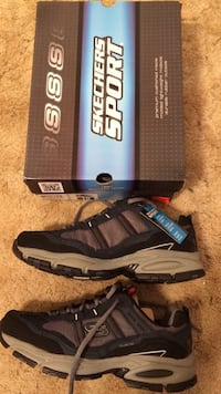 New with tags size 10 sketchers  Glenshaw, 15116