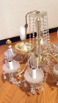 white and brown uplight chandelier Mississauga, L5A 3G2