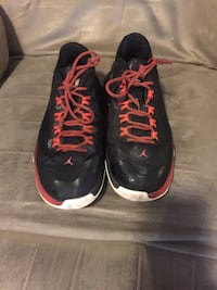 pair of black-and-red Nike running shoes Clarksville, 37040
