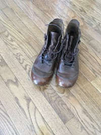 Pair of brown genuine leather boots Mississauga, L5N 6S7