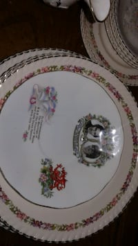 Violet pumpadur fine bone china set  Kitchener, N2H 3Z9