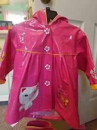 Girls raincoat and matching rainboots! Wilmington, 28412