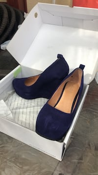Pair of purple suede aldo platform wedges shoes Hamilton, L8J 0B4