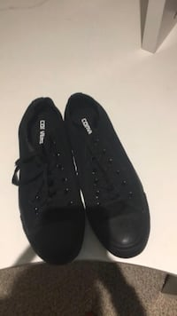 Black Converse size 8.5 St Catharines, L2T 3A2