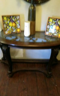 Beautiful Entryway table and matchinh end table Bethany, 73008