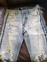Amiri jeans size 40 available