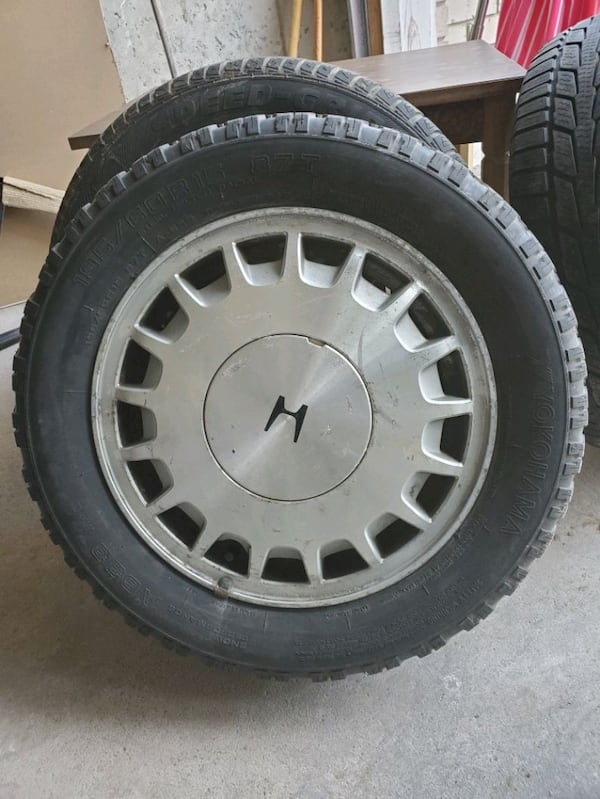 195/60/15... 4 winter tires with rims. 2 different sets ee37225e-56c4-4321-9b7c-09ccda479326