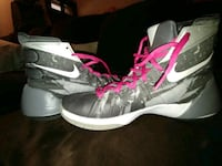 Nike Hyperdunk size 9 basketball shoes Woodsboro, 21798