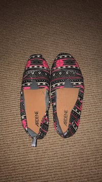 pair of pink-and-black sandals Dartmouth, B2X 3S1