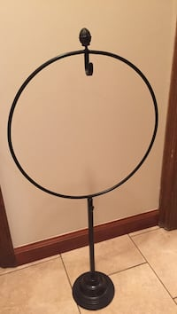 Black iron wreath stand - excellent condition