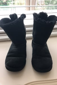Ugg boots with bows Vancouver, 98661