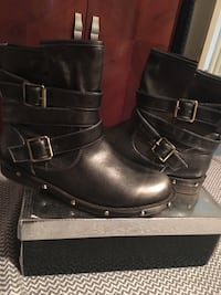 Women's bootie- New in Box Laval, H7M 4V5