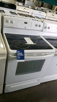Kenmore glass top electric Stove 30inches!  Hempstead, 11550