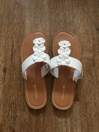 Pair of white-and-brown leather sandals Waipahu, 96797
