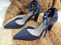 Blue patent leather pointed-toe ankle-strap chunky heels Portland, 97266