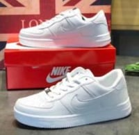 pair of white Nike Air Force 1 low shoes Springfield, 97477