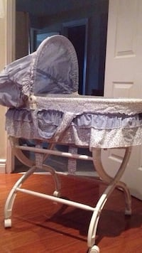 baby's white and gray bassinet Vaughan, L4L 1S2