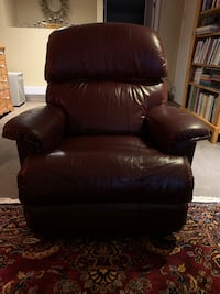 Lazyboy leather recliner chair.