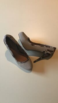 NEW. SIZE: 10. Women's pair of brown, white, and gray stilettos Winchester, 22602