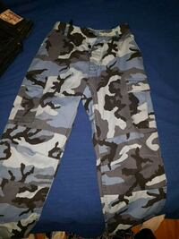 Camouflage cargo pants blue-white-and-blac Belleville, K8P 2K7