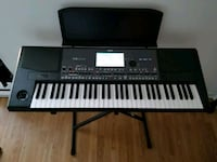 black and white electronic keyboard Mississauga, L4Y 3A1