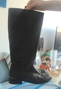 black leather knee-high boots 793 km