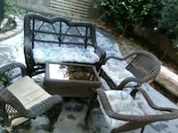 Outdoor furniture set with side post unberell  Visalia, 93291