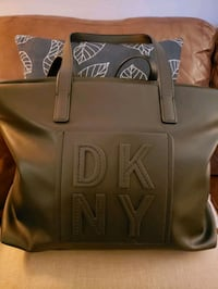 Brand new DKNY purse perfect gift for x-mas