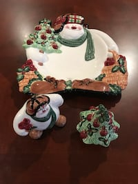 Christmas Fitz and Floyd canapé plate and salt and pepper Grimsby, L3M 4E7