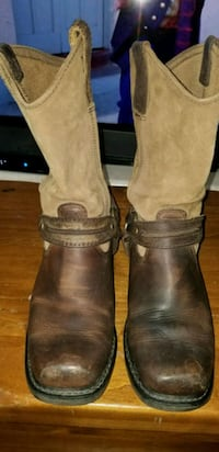 pair of brown leather boots Los Angeles, 90063