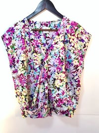 NEW CABI women floral draped blouse top (retail $119) Kitchener, N2N 3A4