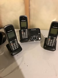 Set of 3 cordless phones