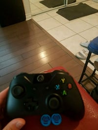 Xbox one controller with thumbstick skins Toronto, M2K 3E2