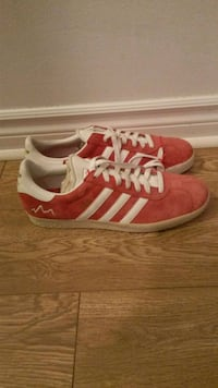 pair of red-and-white Adidas sneakers Montréal, H4J 2L3
