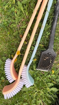 MOVING SALE!! BARBECUE CLEANING BRUSHES!! ALL FOR $10!! Ottawa, K4A 4H3