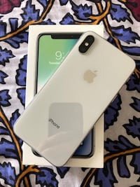 IPhone X UNLOCKED 256 GB SILVER Sterling, 20166